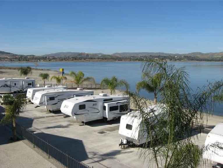 Crane Lakeside Mobilehome Park Amp Rv Resort Lake Elsinore Ca